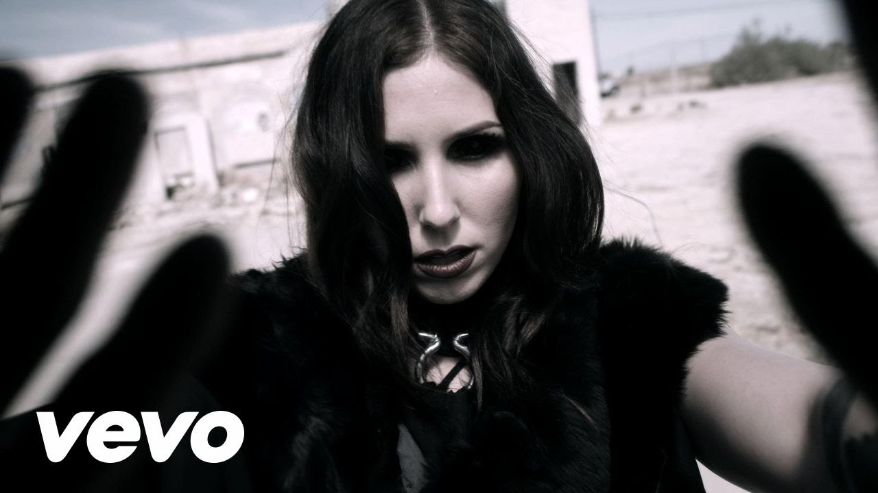 music video : Chelsea Wolfe – Feral Love